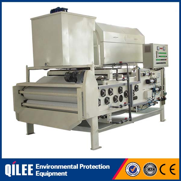 Solid-liquid separation belt filter press for treatment of sanitary sewage