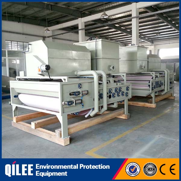 Small filter press for sludge dewatering